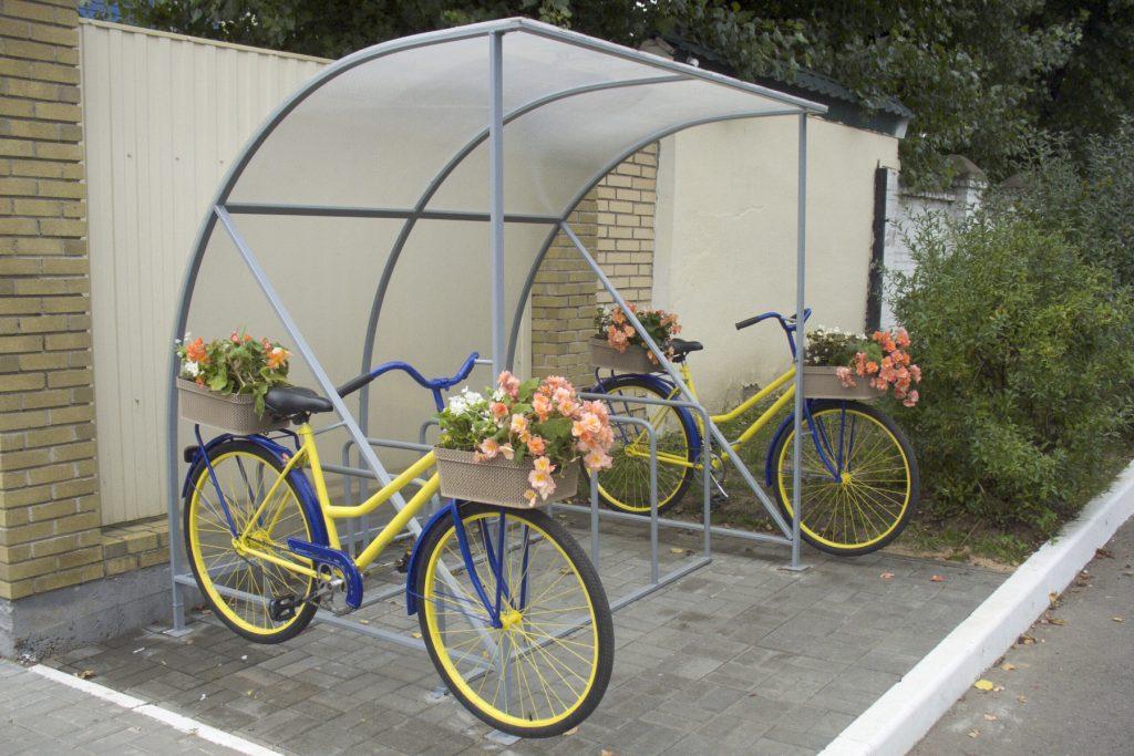 Велопарковка с навесом ул. Платонова 11